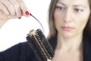 Biotina, ayuda a detener la caída del cabello